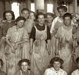 women factory workers honored by Int'l Women's Day
